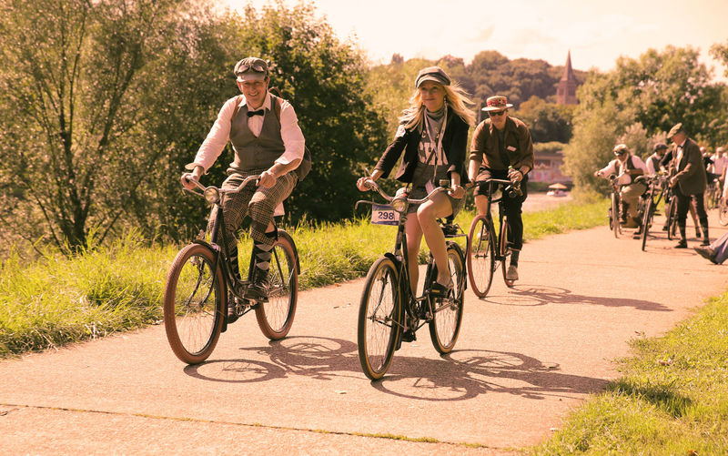 Tweed ride sepia by Markus Lutz